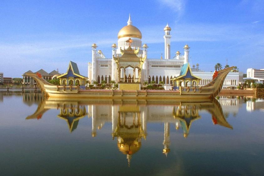 I palazzi reali più grandi del mondo: le dimore storiche da visitare