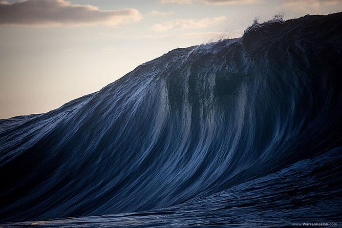 Le immagini dell'oceano australiano negli scatti di Warren Keelan