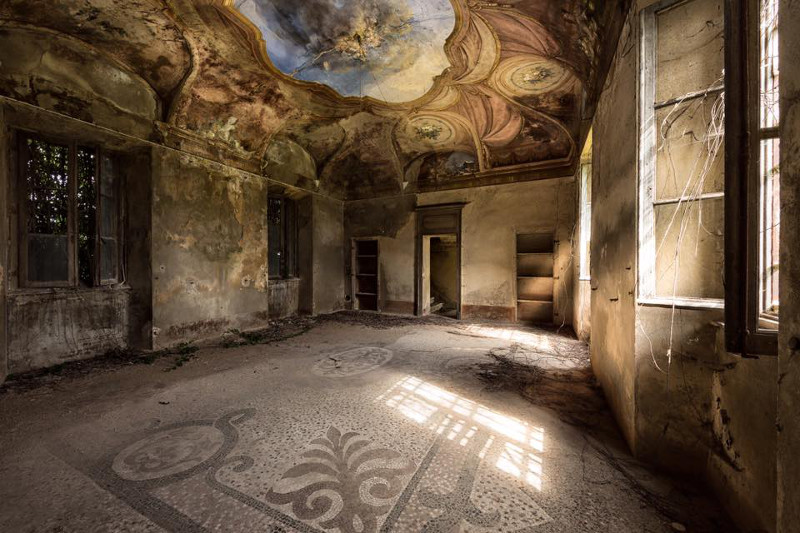La nuova moda di fotografare luoghi abbandonati
