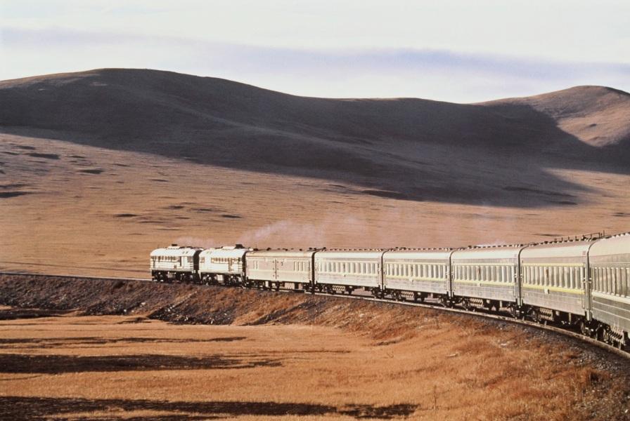 La storia della ferrovia transiberiana e il suo completamento 100 anni fa
