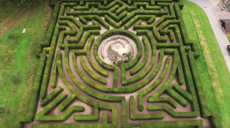L'ingegnere che ha costruito più di 700 labirinti in giro per il mondo