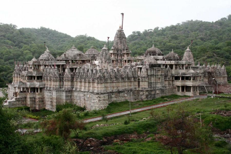 Il Tempio Bianco di Ranakpur: una delle costruzioni più belle del mondo
