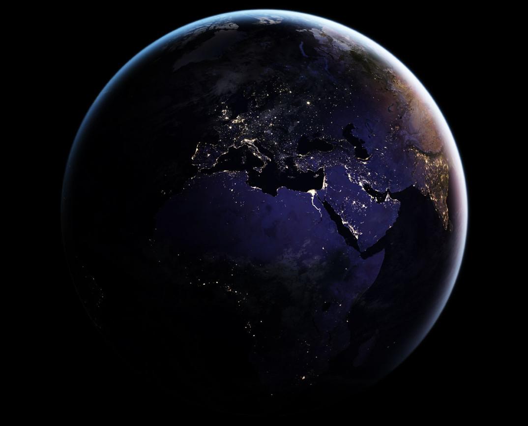 La Terra vista di notte, le nuove sorprendenti foto della NASA