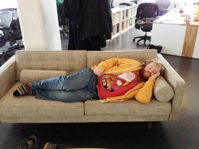 Mai addormentarsi sul lavoro se i tuoi colleghi sanno usare Photoshop