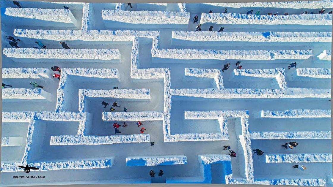 Snowlandia è il labirinto di neve più grande del mondo