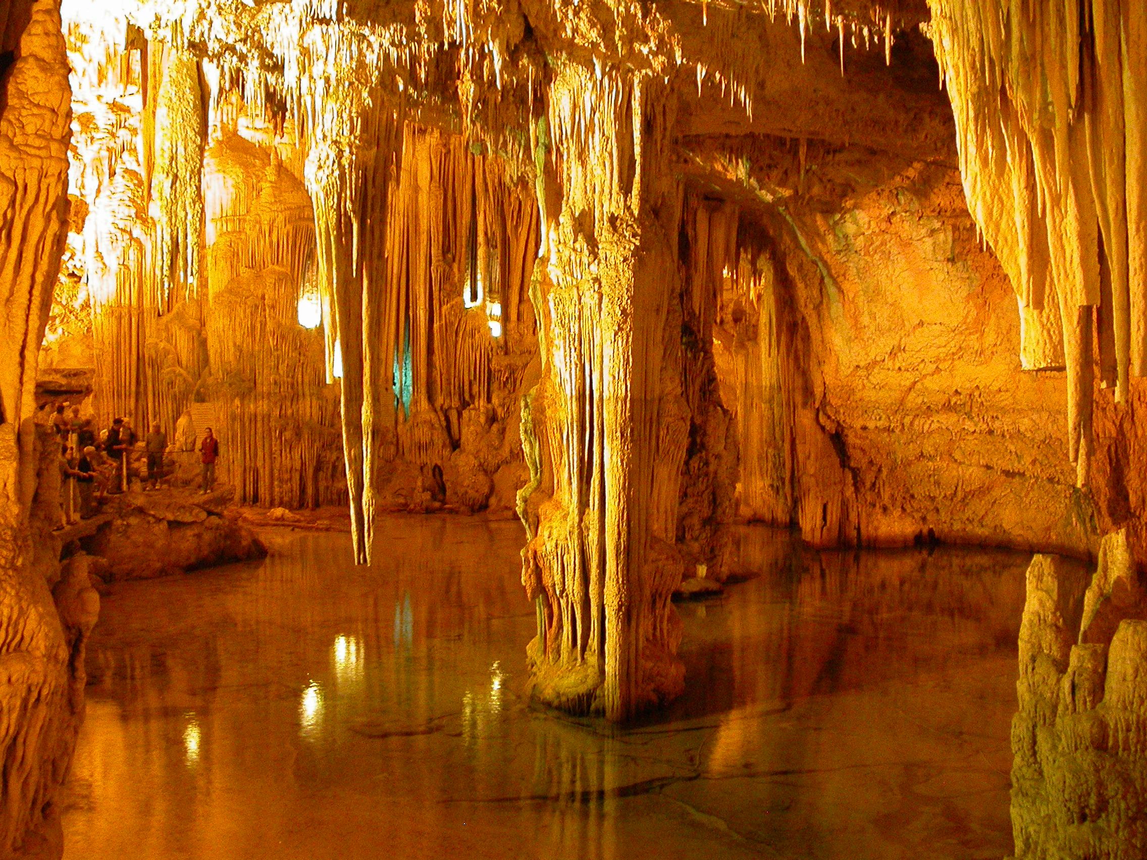 La bellezza nascosta delle grotte di Nettuno ad Alghero